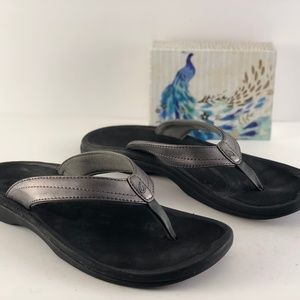 OluKai Ohana Pewter/Black Faux Leather Sandals
